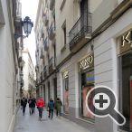 Marchez sur quelques mètres, tournez à gauche après le restaurant Els 4Gats